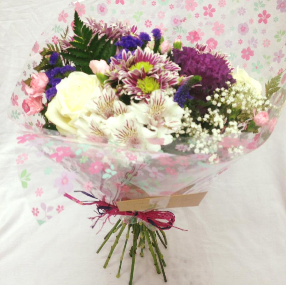 Bouquets and hand ties dez plants we hand pick flowers to match your style which are both beautiful and elegant we will discuss with you what you are looking for and provide you with unique izmirmasajfo